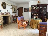 Casa unifamiliar en el centro de Castilblanco. perfecto