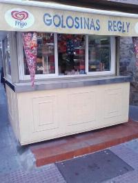 Se traspasa Kiosco de Chucherías situado en c/ Juan