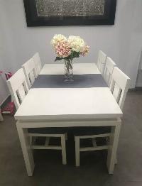 Mesa salon y sillas