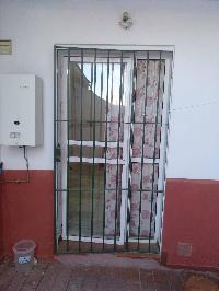 Puerta de hierro con fijo