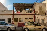 CASA EN EL CERRO DEL AGUILA A REFORMAR. EXCELENTE INVERSION