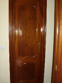 Puertas de paso macizas con marco, tapajuntas y manilla(Desmontadas)
