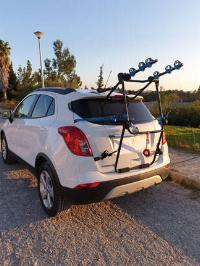 Portabicicletas para vehículo SUV.