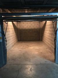 Alquilo garaje cerrado