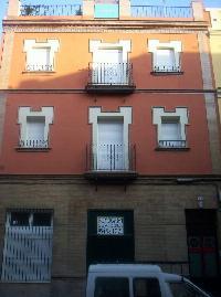 alquilo piso en avda Cruz Roja, Sevilla