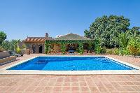 Finca 4600 m² de terreno con 2 casas y 2 apartamentos y piscina