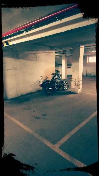 Amplia plaza de garaje para moto en Panizo 58