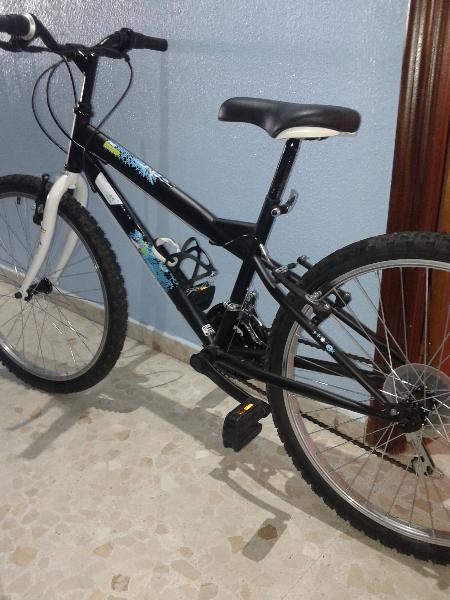Vendo bicicleta para niños entre 10 y 15 años.Está