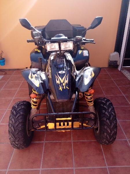 Atv 4x4 500cc con accesorios maleta, toma de mechero,   - Foto 1