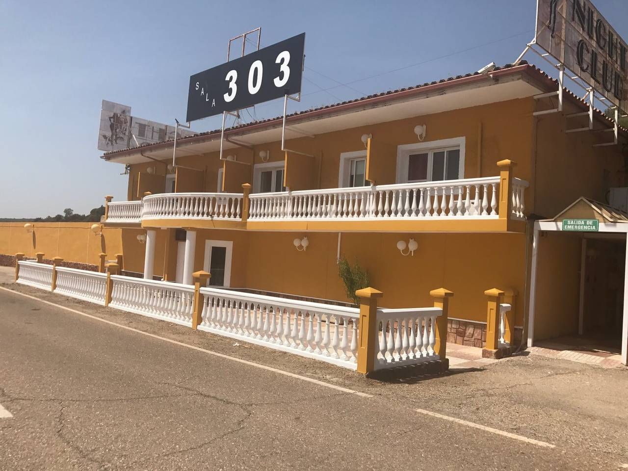Hotel club de alterne........................  - Foto 2