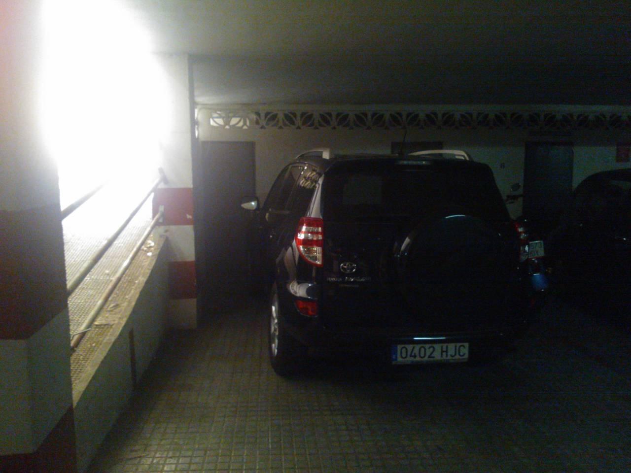 Vendo garaje y trastero en zona Macarena - Centro - Ronda de Capuchino