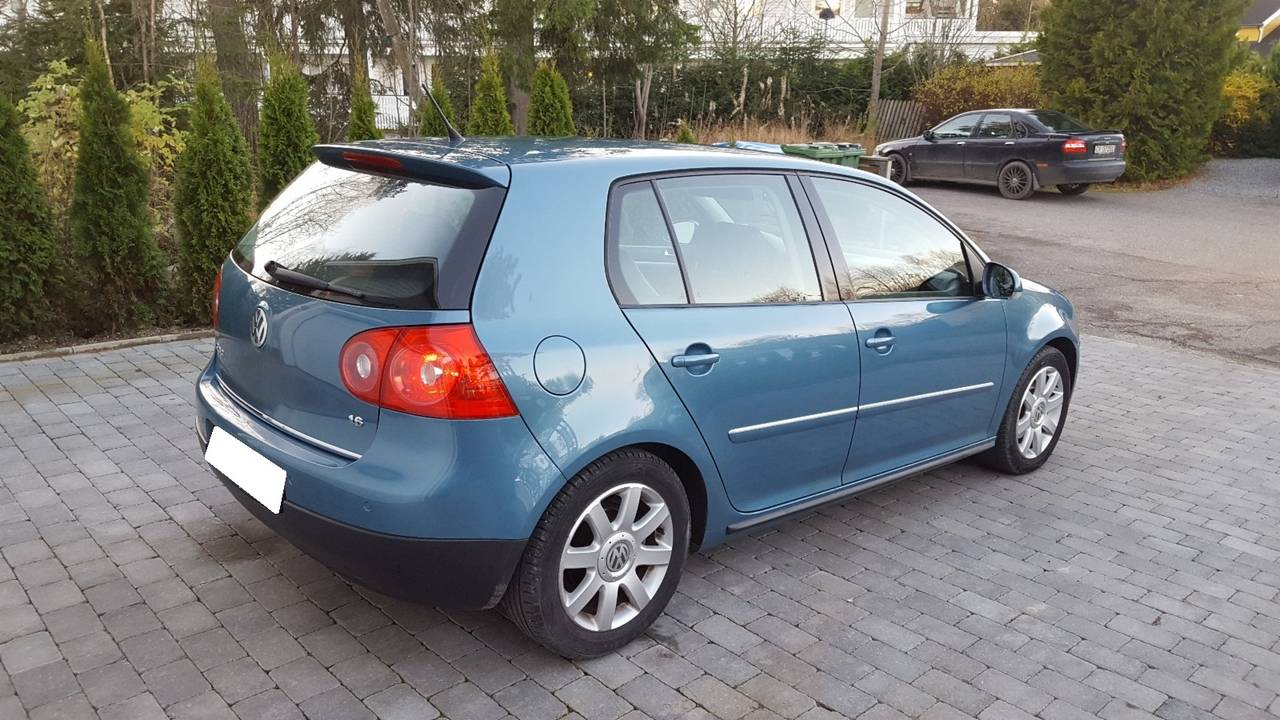 Volkswagen Golf 1,6 Sportline  - Foto 3
