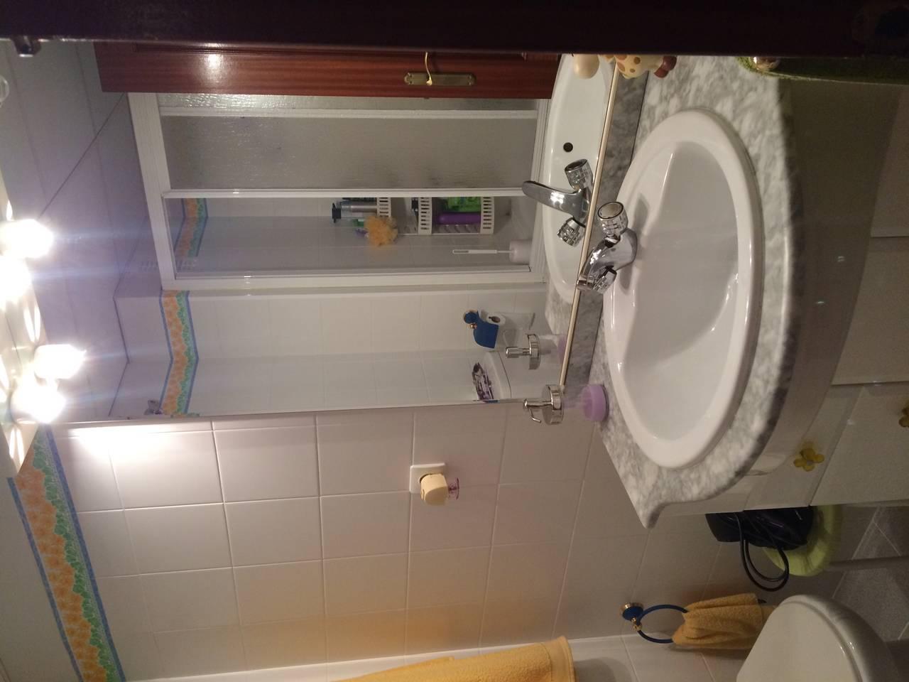 accesorios  wc..., usado segunda mano  Mairena del Aljarafe