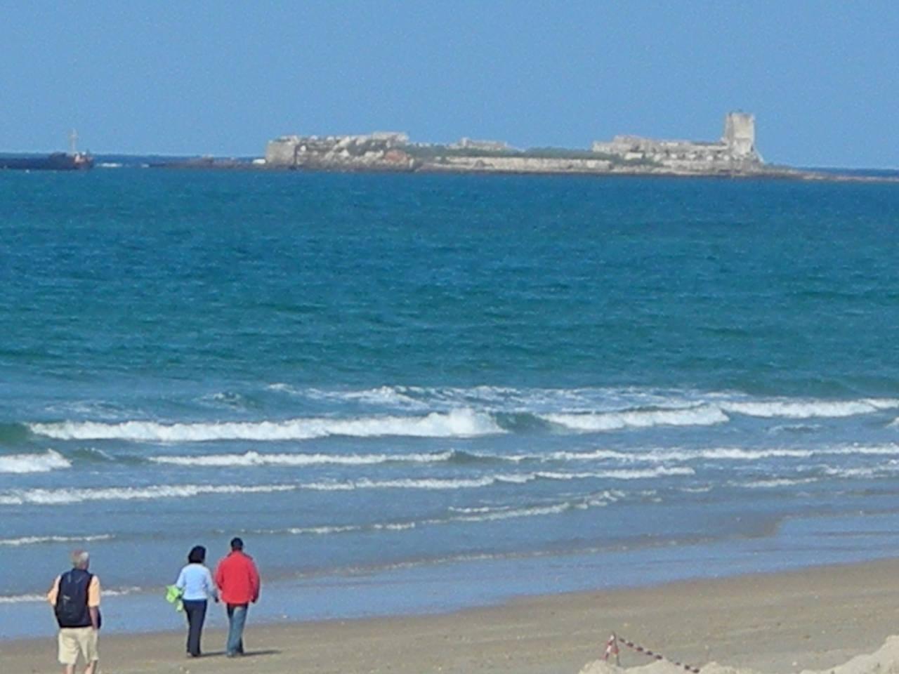 Alquiler apartamento 150m playa la Barrosa Chiclana Cádiz  - Foto 1