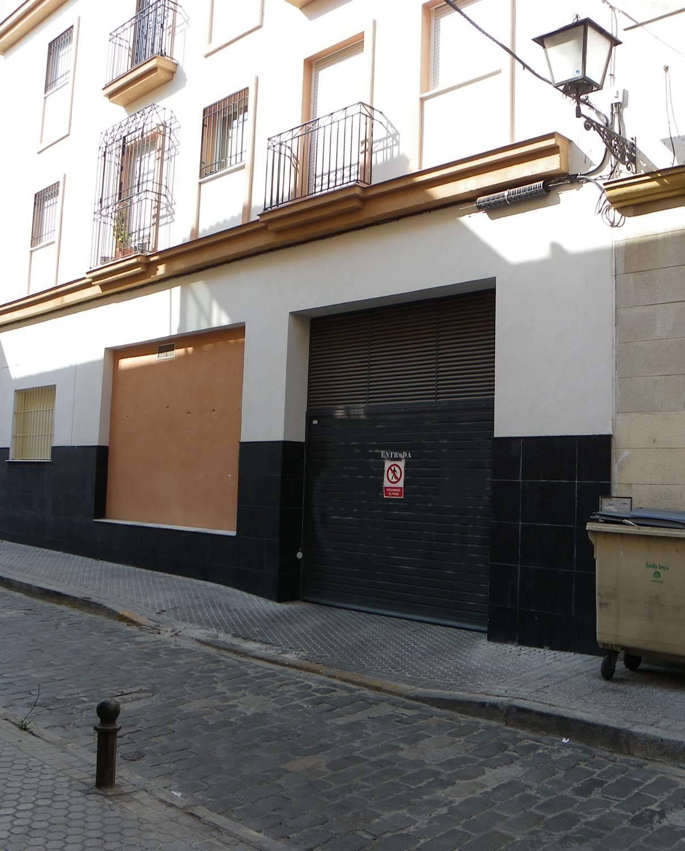 Amplia plaza de GARAJE + trastero en el Centro  (Zona S. Lorenzo)  - Foto 2
