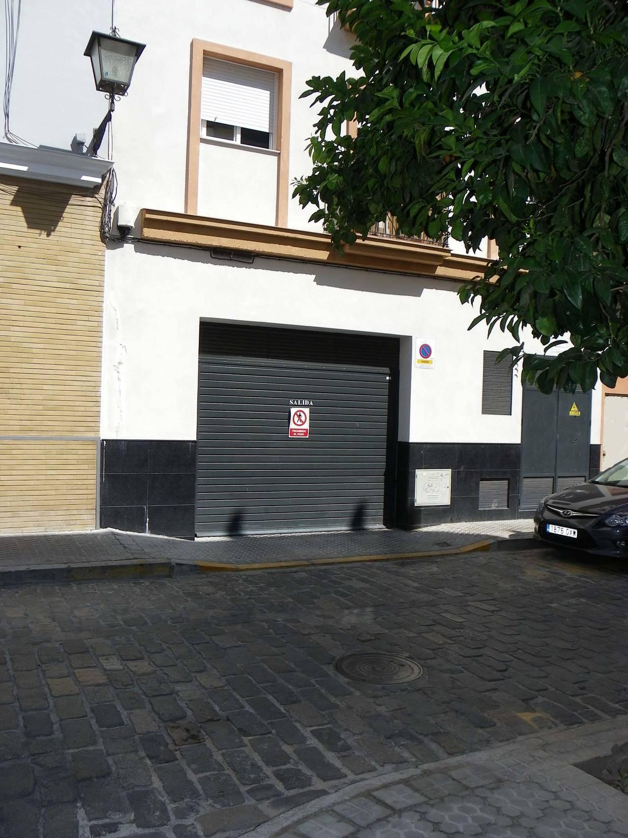 Amplia plaza de GARAJE + trastero en el Centro  (Zona S. Lorenzo)  - Foto 4