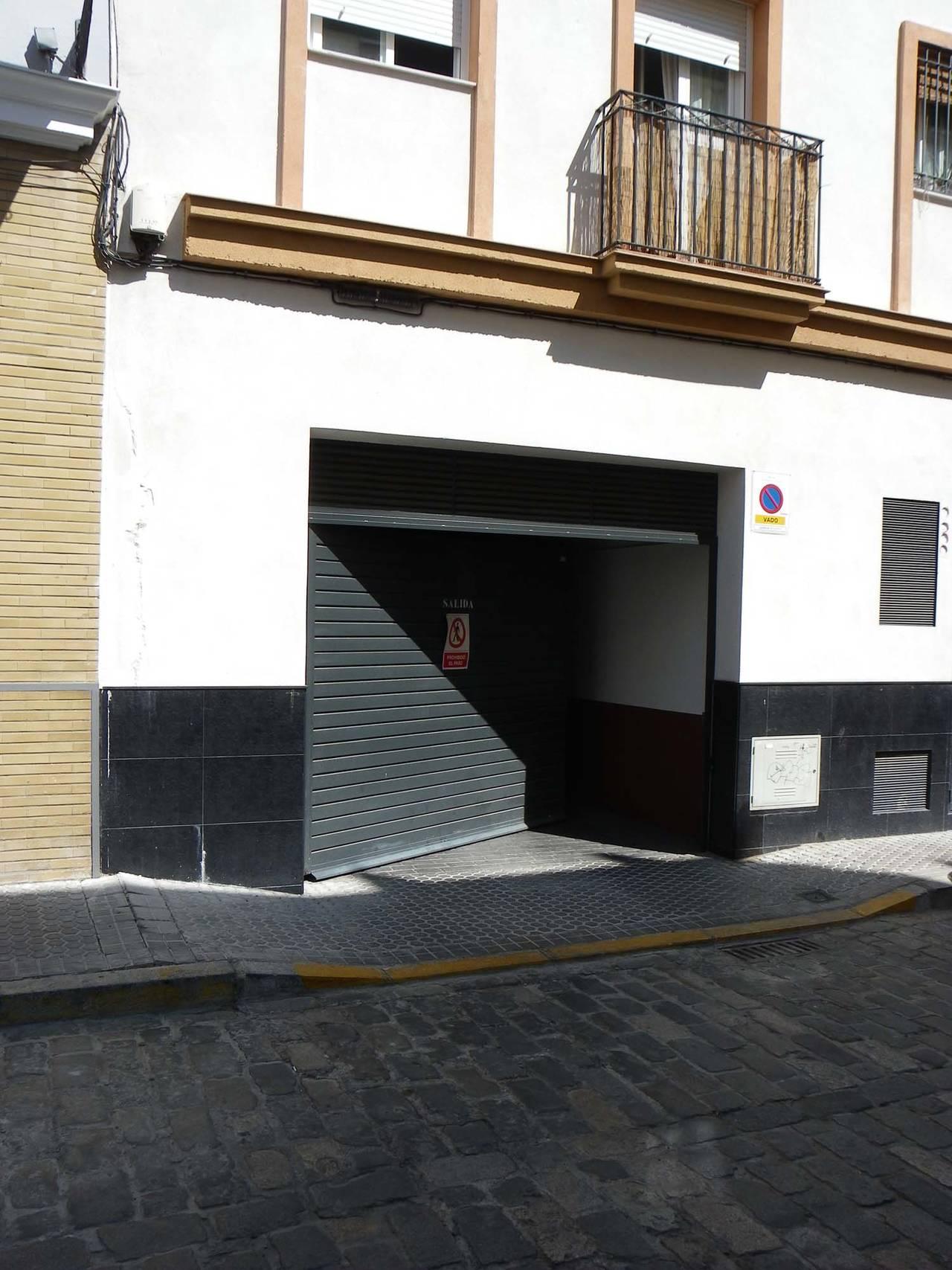 Amplia plaza de GARAJE + trastero en el Centro  (Zona S. Lorenzo)  - Foto 3