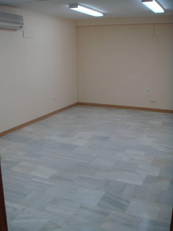 Se alquila local para oficina mediana en el Edificio Sevilla II  - Foto 3