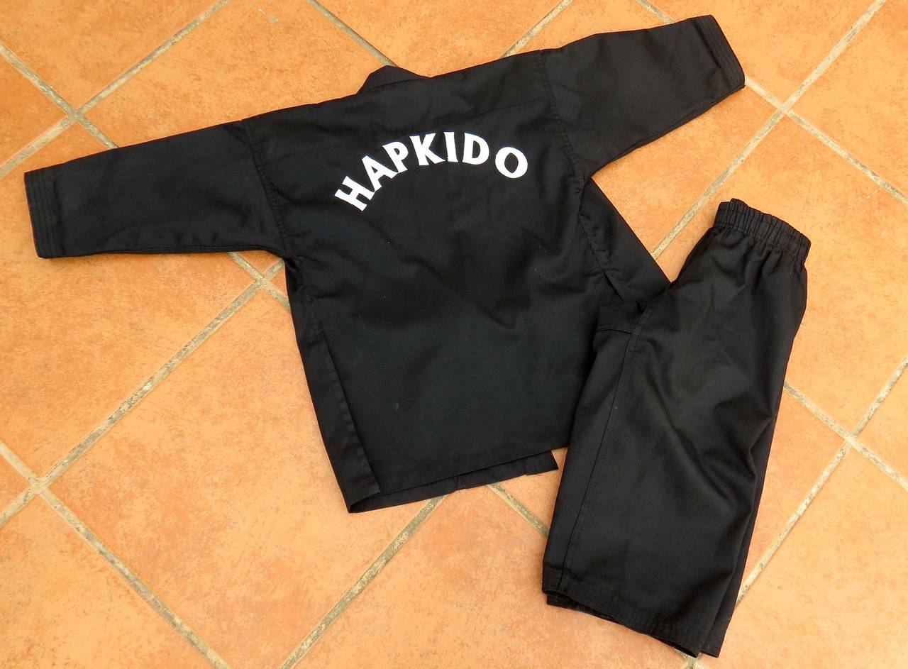 Dobok de Hapkido para niños. Como nuevo.