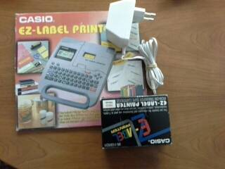 Etiquetadora electrónica Casio KL-750