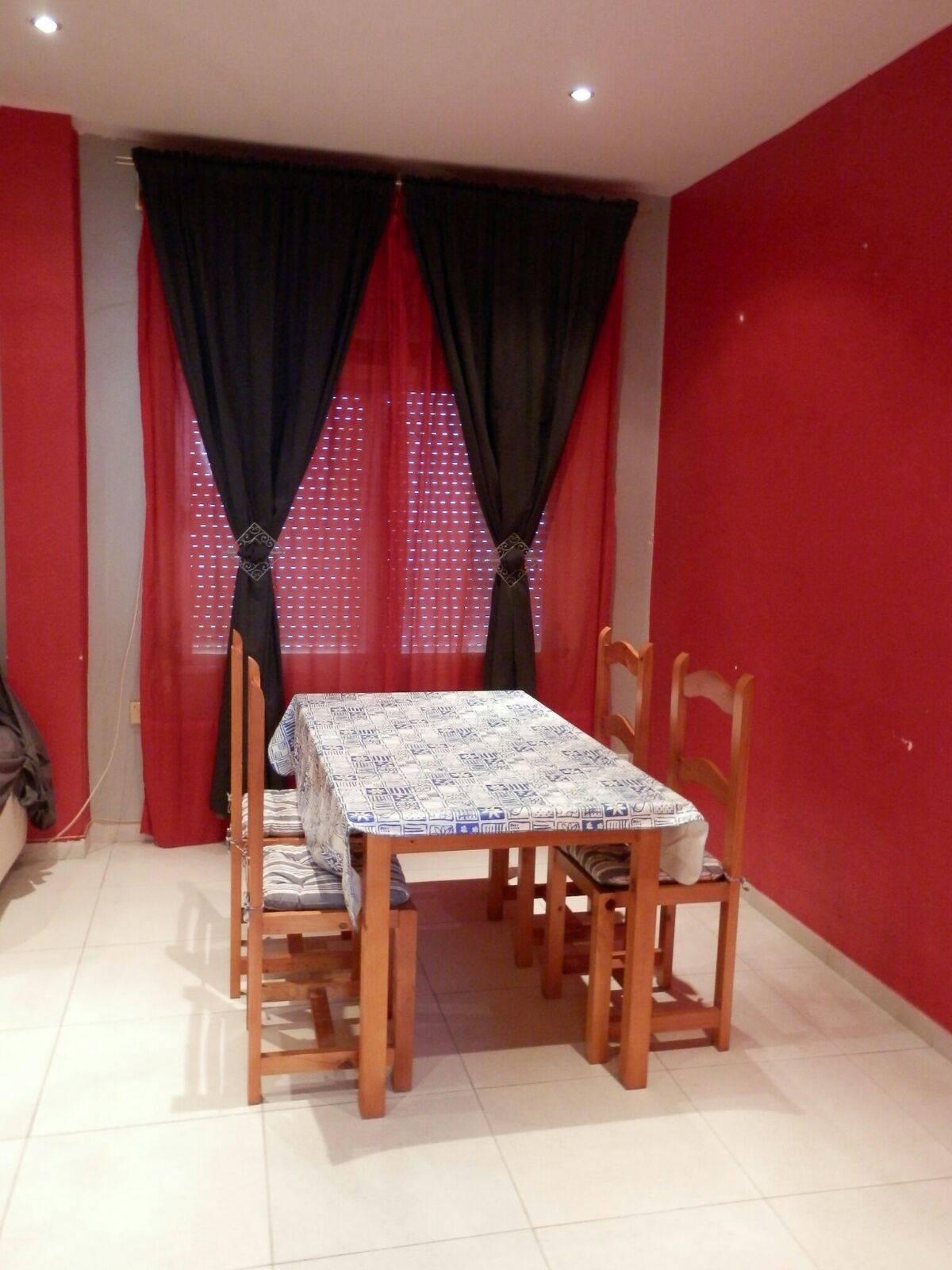 Alquiler piso Zona Reina Mercedes  - Foto 2