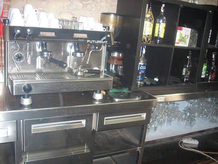 Bar esquinero en Terrassa frente parque en traspaso  - Foto 4