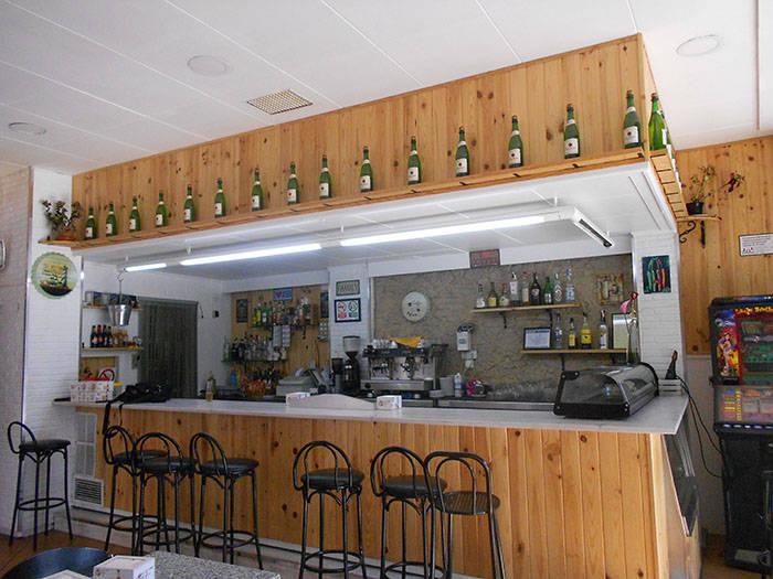 Bar esquinero en Terrassa frente parque en traspaso  - Foto 2
