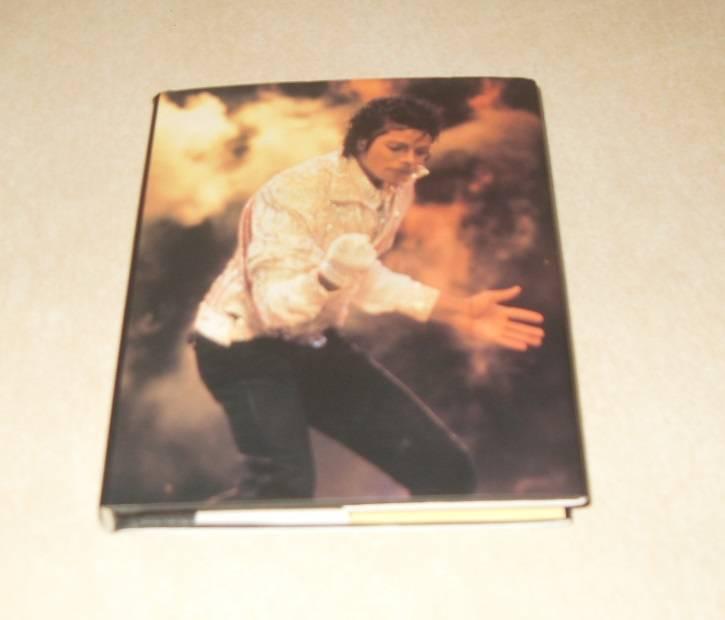 Libro de bolsillo Michael Jackson Robert Hale