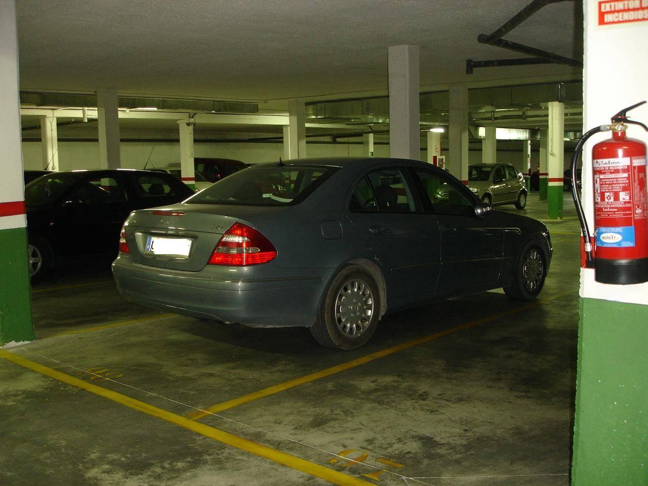 Barajas, pol. Las Mercedes. De 1 a 9 plazas de garaje. Alquilo-vendo