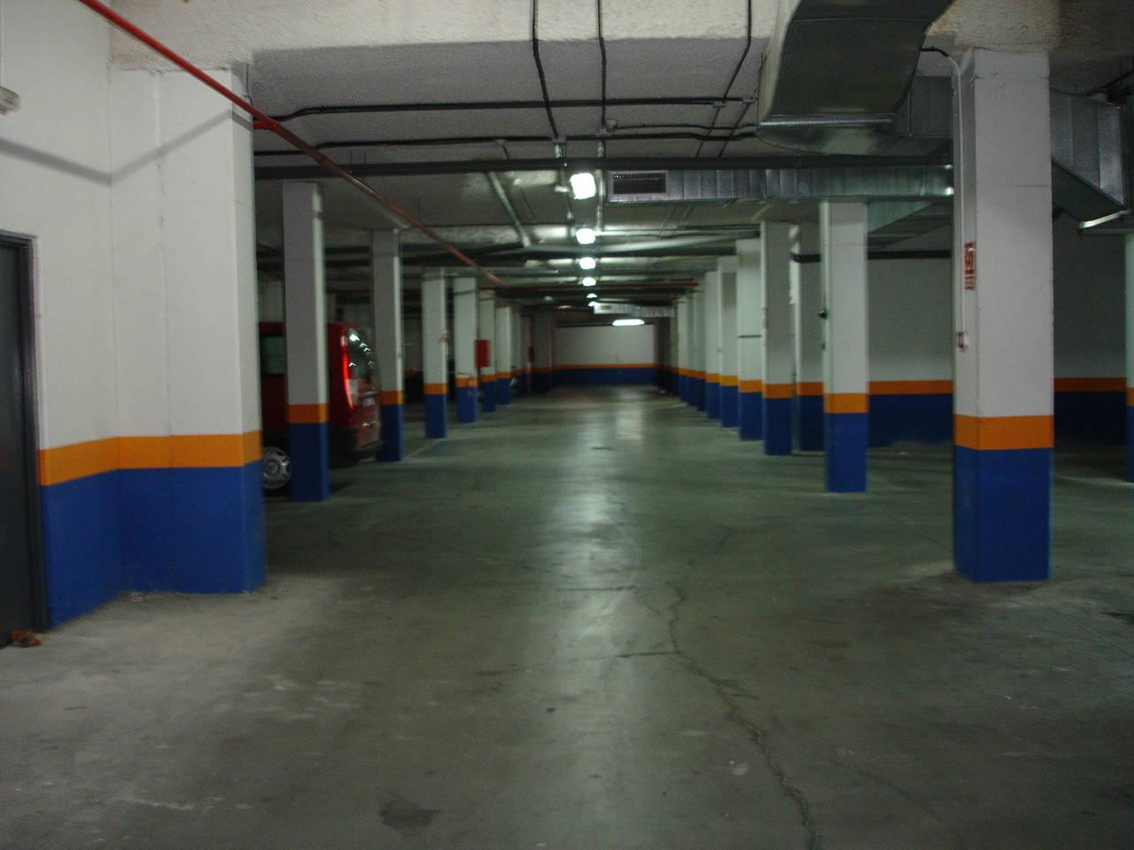 Sanchinarro, de 1 a 5 plazas de garaje. Alquilo-vendo.