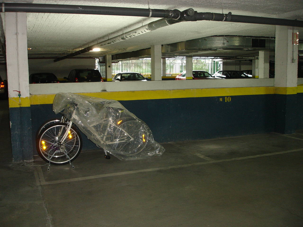 Canillas, de 1 a 4 plazas de garaje para moto grande