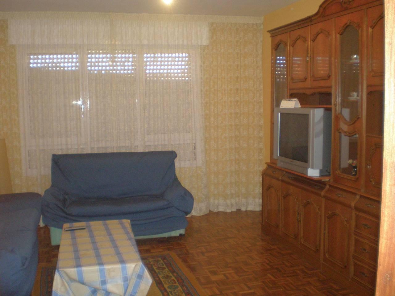 en soria se alquilan habitaciones en piso compartido  - Foto 1