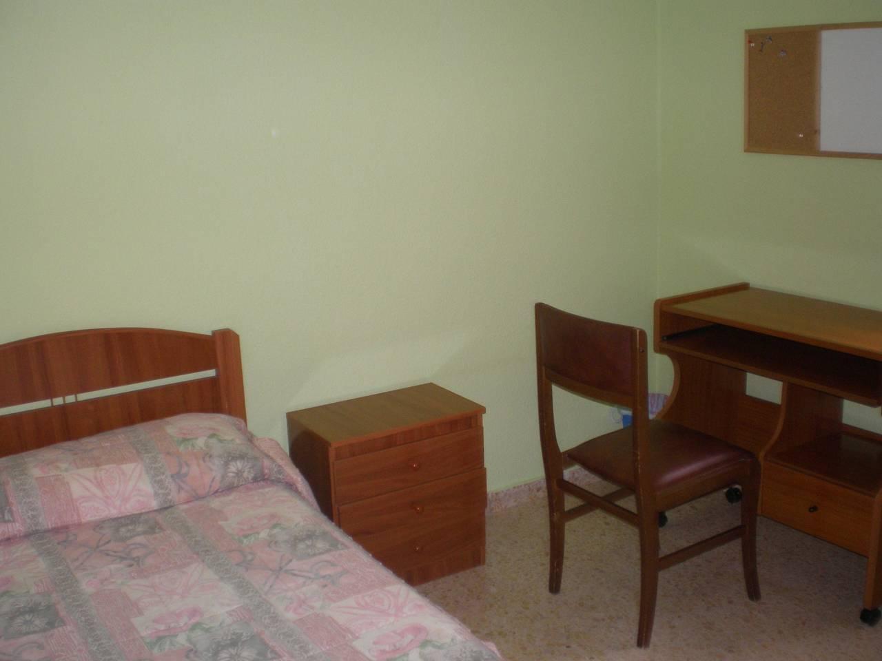 en soria se alquilan habitaciones en piso compartido  - Foto 4