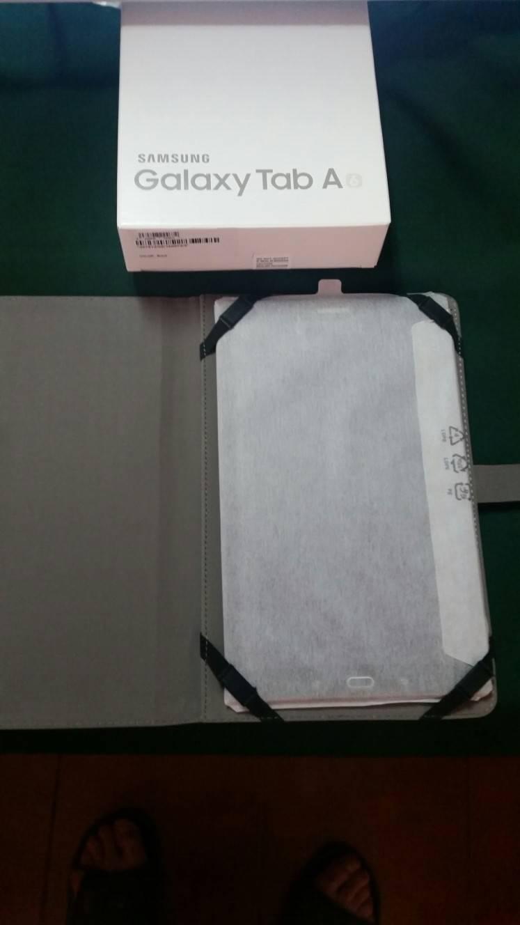 """Tablet Samsung 11"""", A6, Negra. segunda mano  Sevilla"""