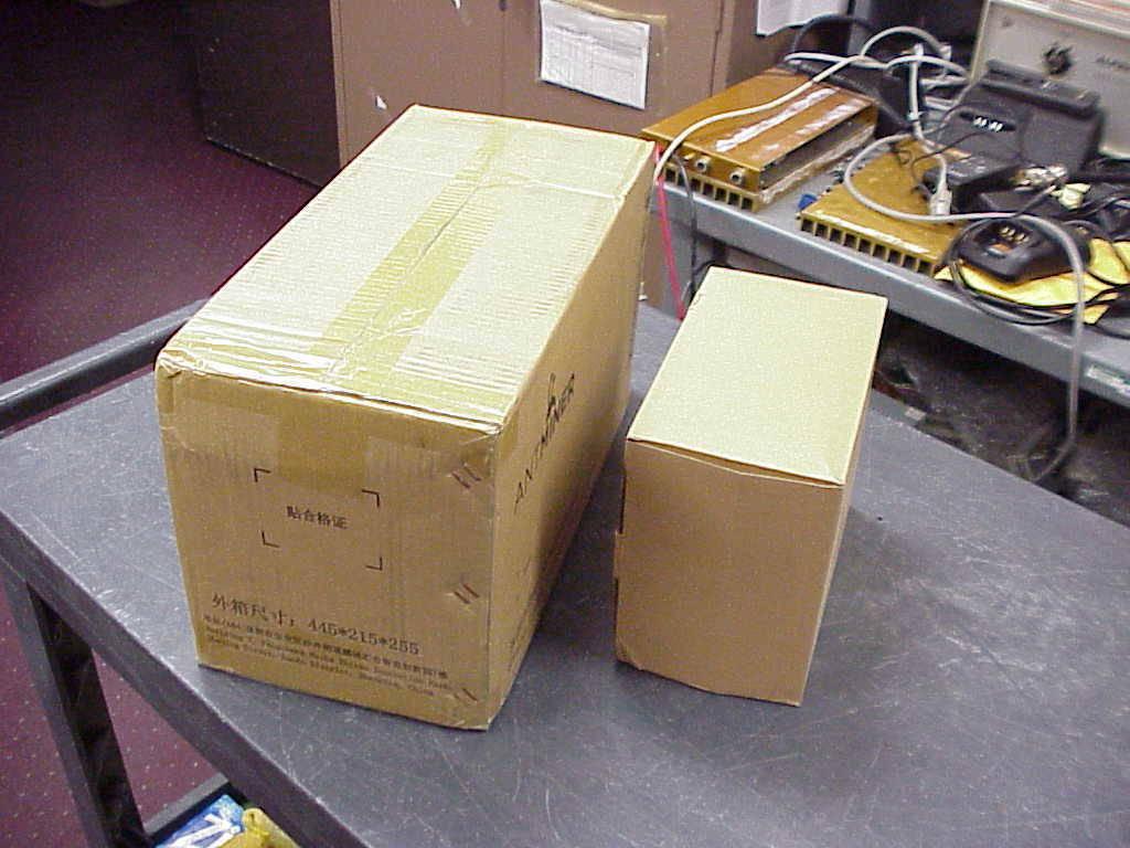 Brand new never opened still under warranty Antminer S9 - 13.5TH - 14.  - Foto 4