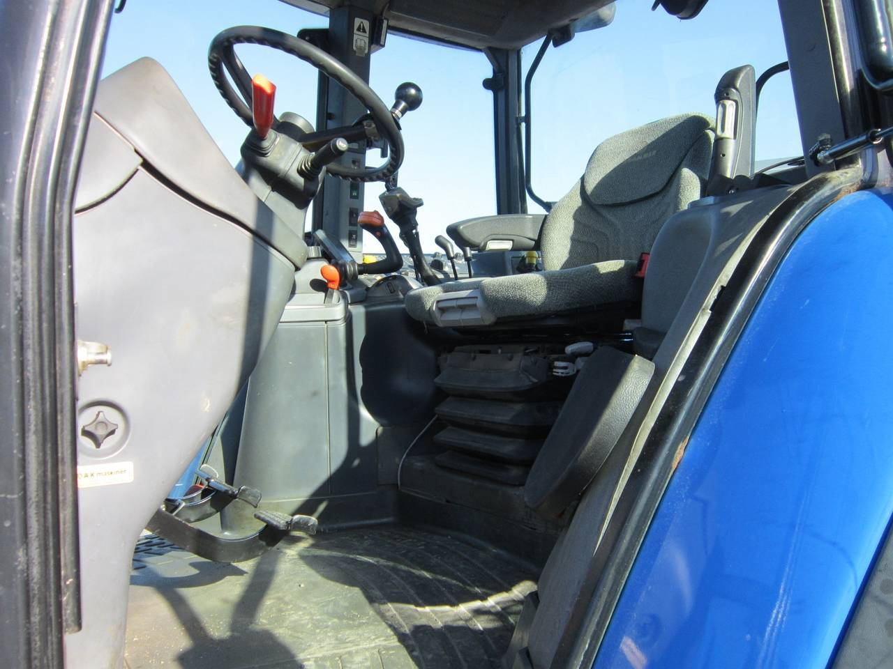 NEW HOLLAND TM 155  - Foto 3