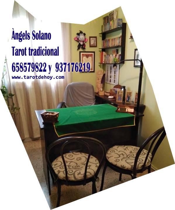 Tarot tradicional cara a cara en Sabadell con Angels   - Foto 1