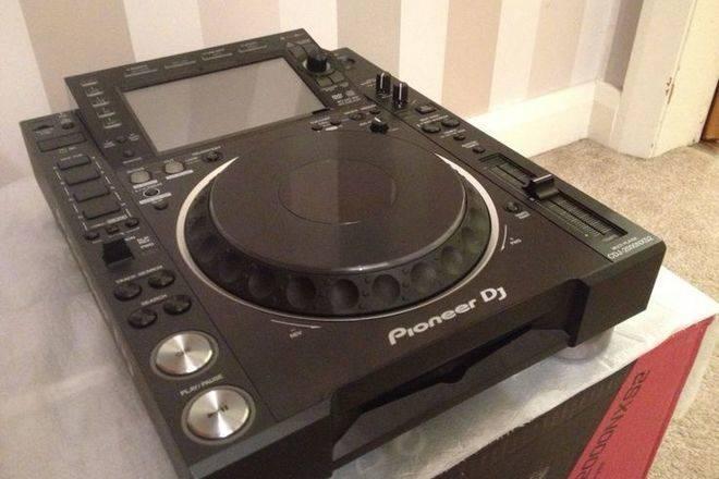 Pioneer CDJ-2000NXS2 Pro-DJ Multi Player Regular..$2000 USD  - Foto 1