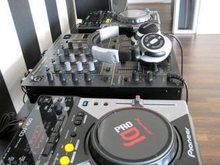 Pioneer CDJ-2000NXS2 Pro-DJ Multi Player Regular..$2000 USD  - Foto 3