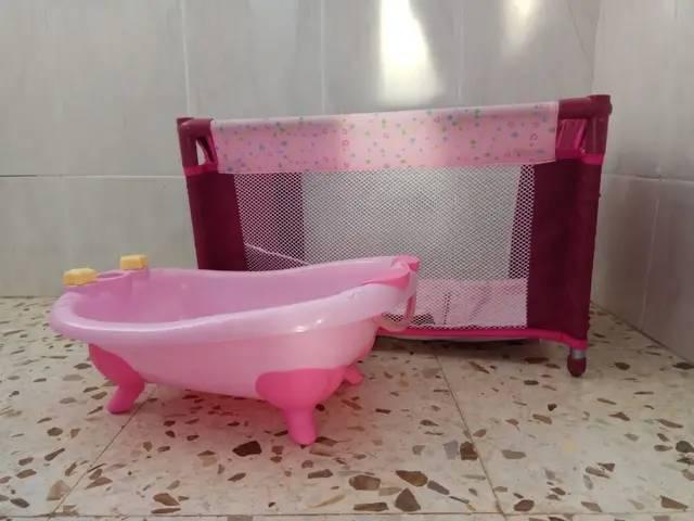 Cuna parque y bañera de juguete