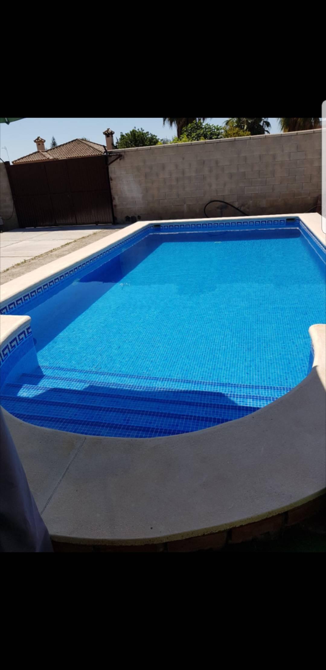 Casa con piscina privada para alquilar