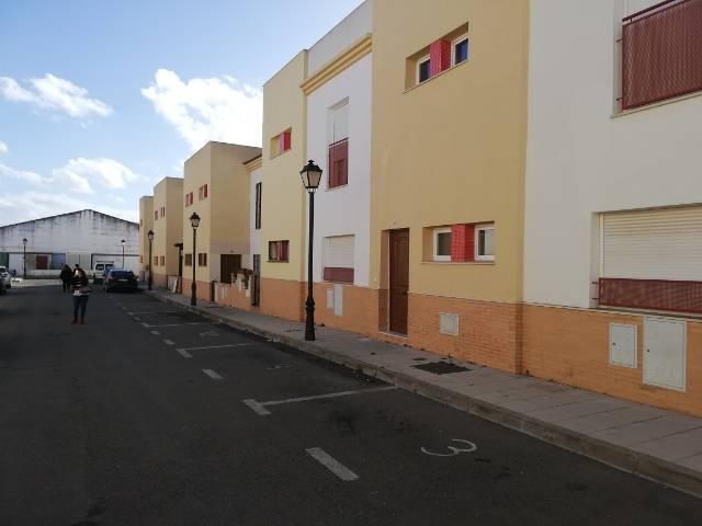 Venta de casa unifamiliar en aznalcazar  - Foto 2