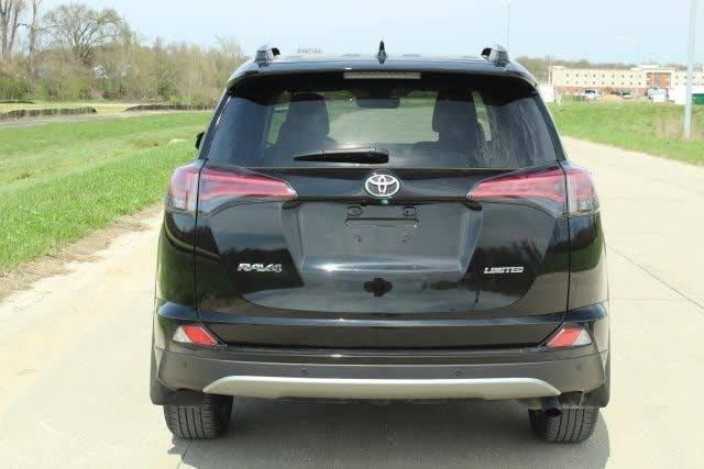 Used 2017 Toyota RAV4 XLE  - Foto 2