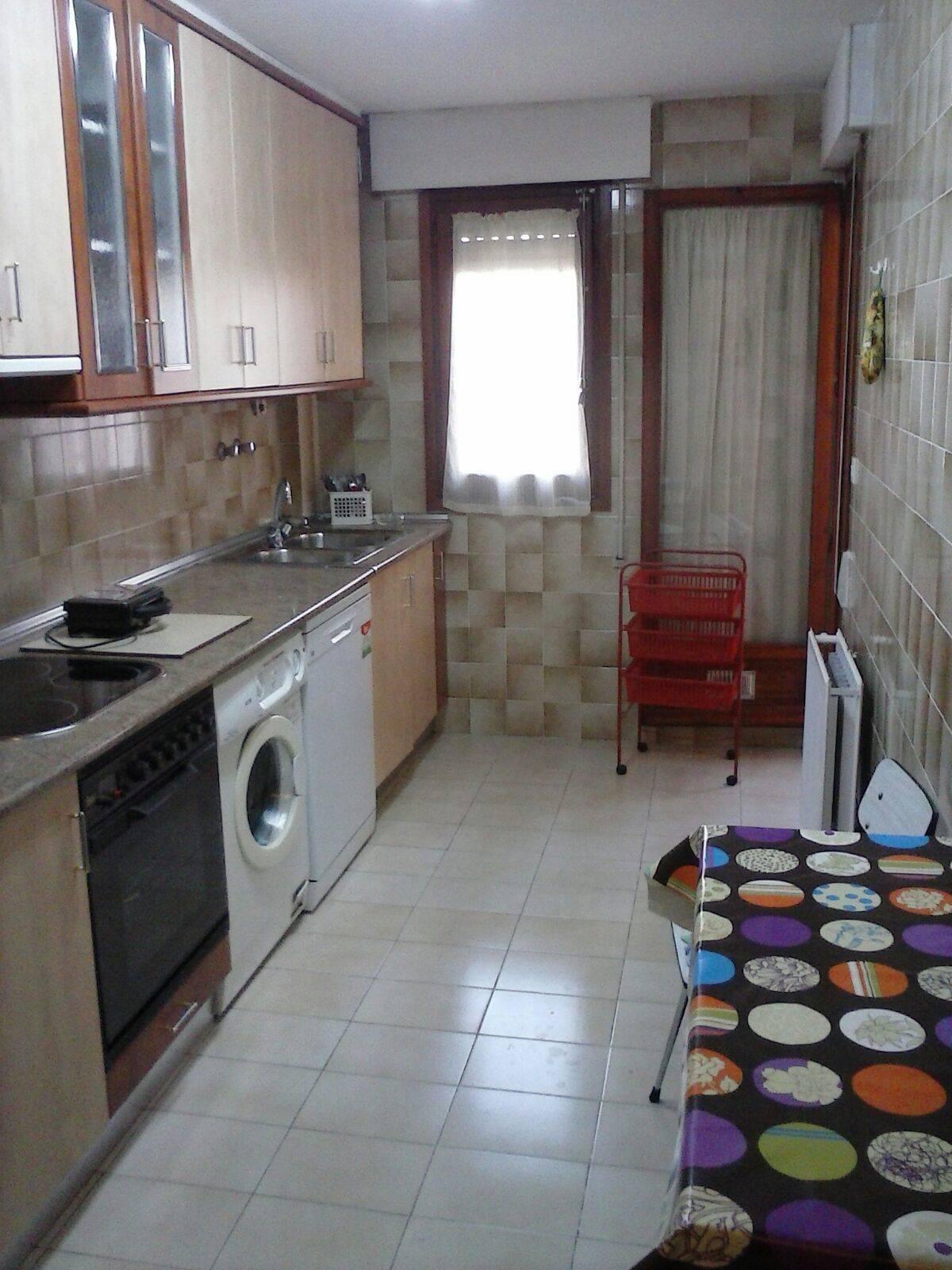 en soria capital se alquila habitacion en piso compartido  - Foto 2