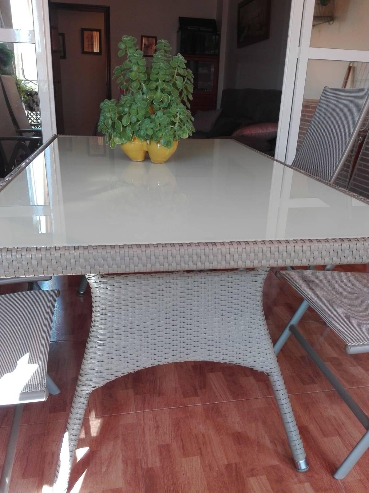Mesa de terraza y sillas  - Foto 2