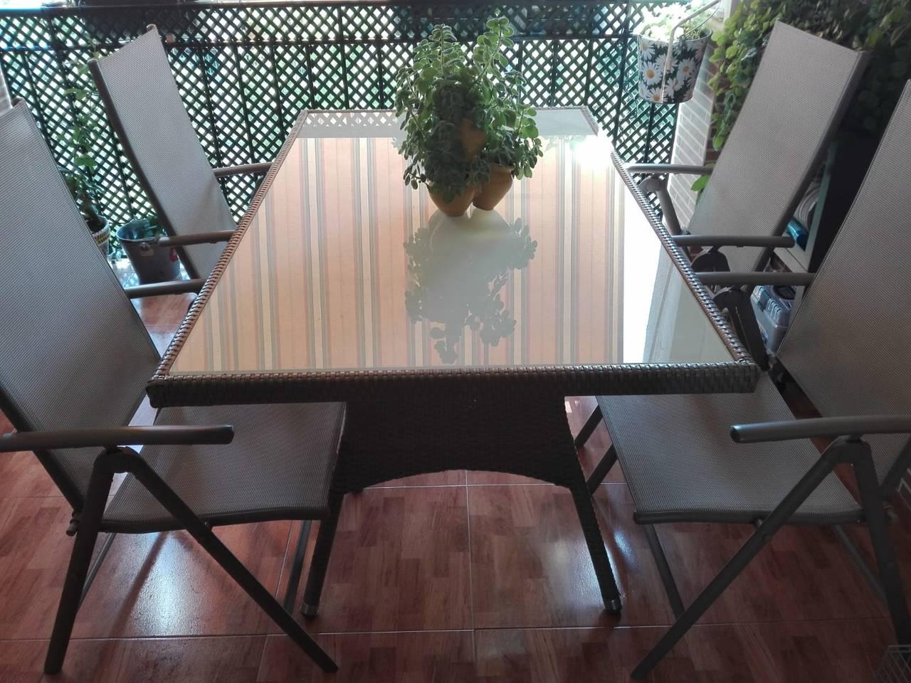 Mesa de terraza y sillas  - Foto 3