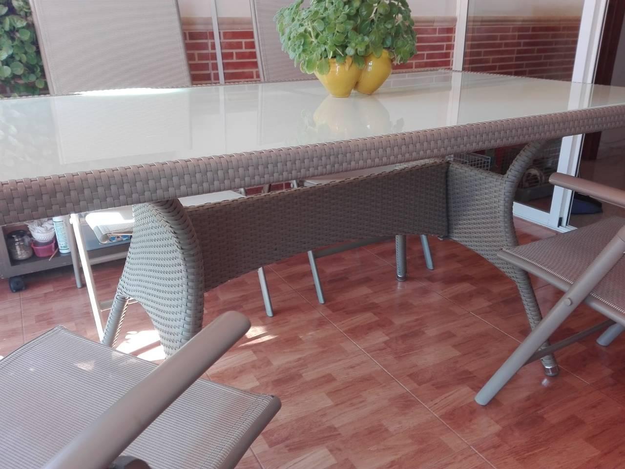 Mesa de terraza y sillas  - Foto 1