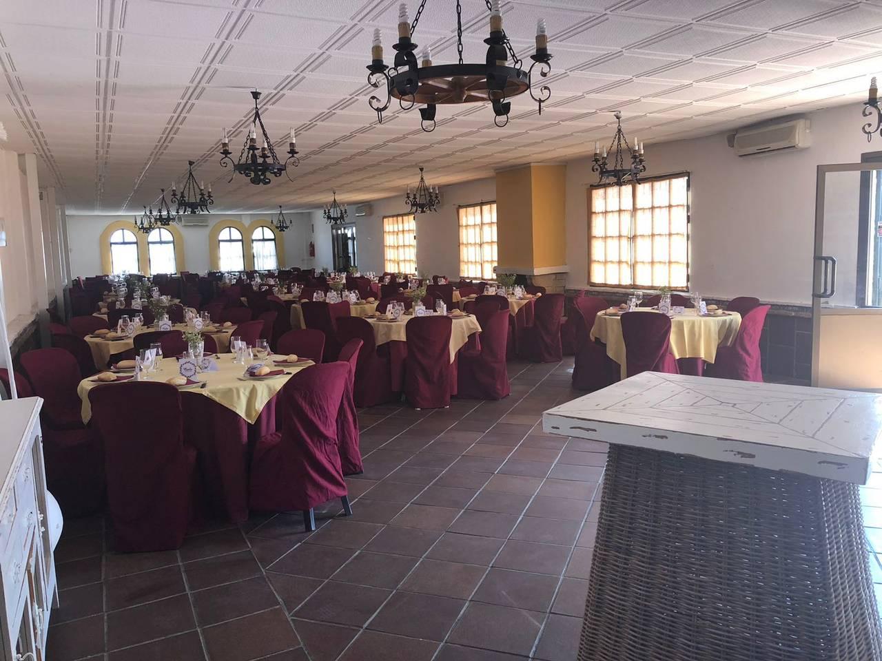 Alquiler de salón de celebraciones en Espartinas (Sevilla)  - Foto 2
