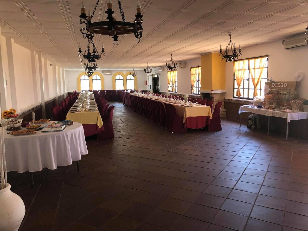 Alquiler de salón de celebraciones en Espartinas (Sevilla)  - Foto 5