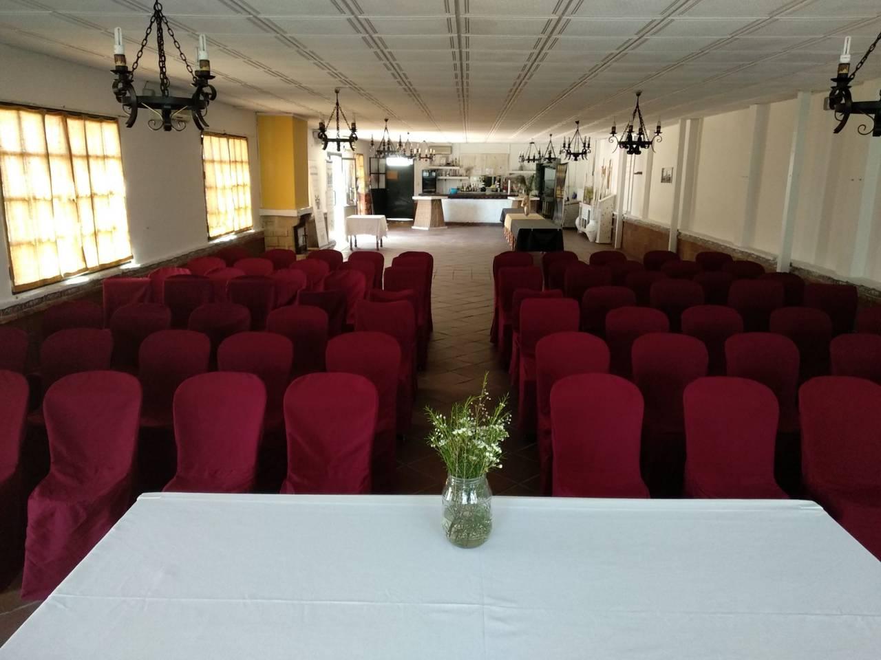 Alquiler de salón de celebraciones en Espartinas (Sevilla)  - Foto 1